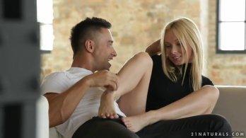 21naturals - Красивый секс с обалденной блондинкой