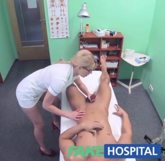Сексапильная врачиха соблазнила и трахнула мускулистого чувака в палате